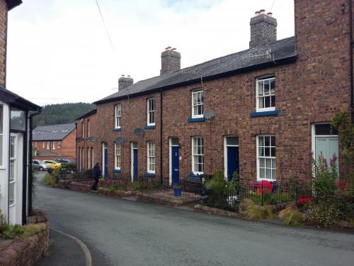 Foundry Terrace Llanidloes for Powys Council
